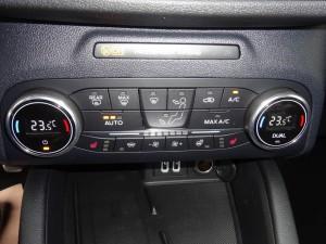 FORD Kuga 2.0 EcoBlue Hybrid ST-Line 14