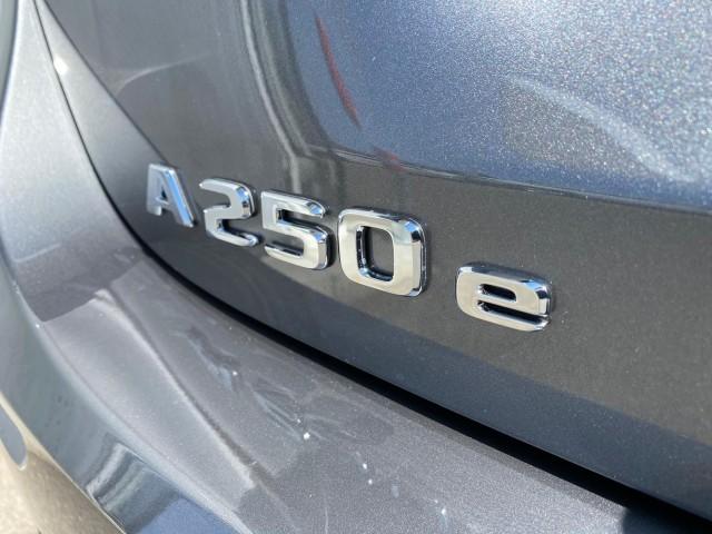 MERCEDES-BENZ A 250e Progressive 8G-DCT