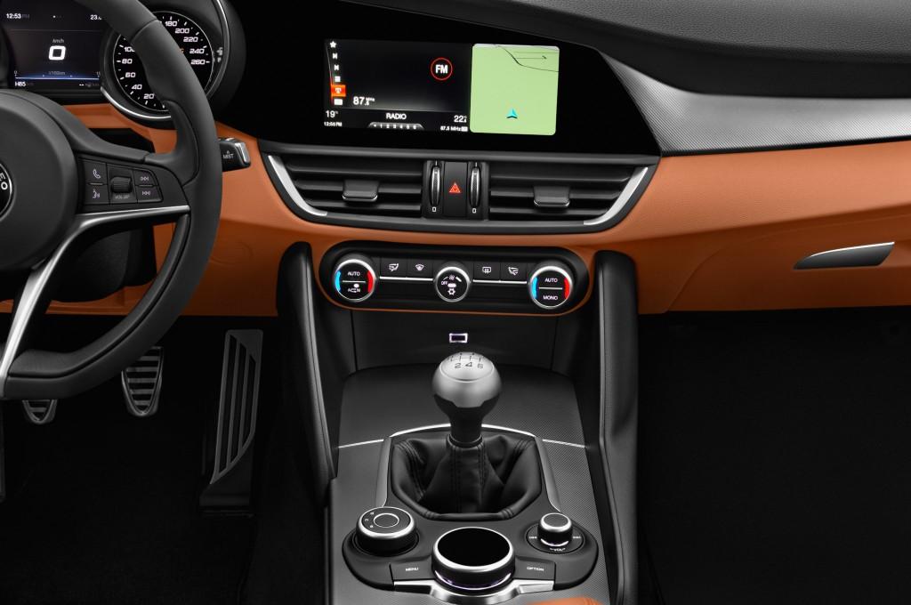 Alfa romeo giulia limousine voiture neuve chercher acheter - Alfa romeo giulietta 3 portes ...