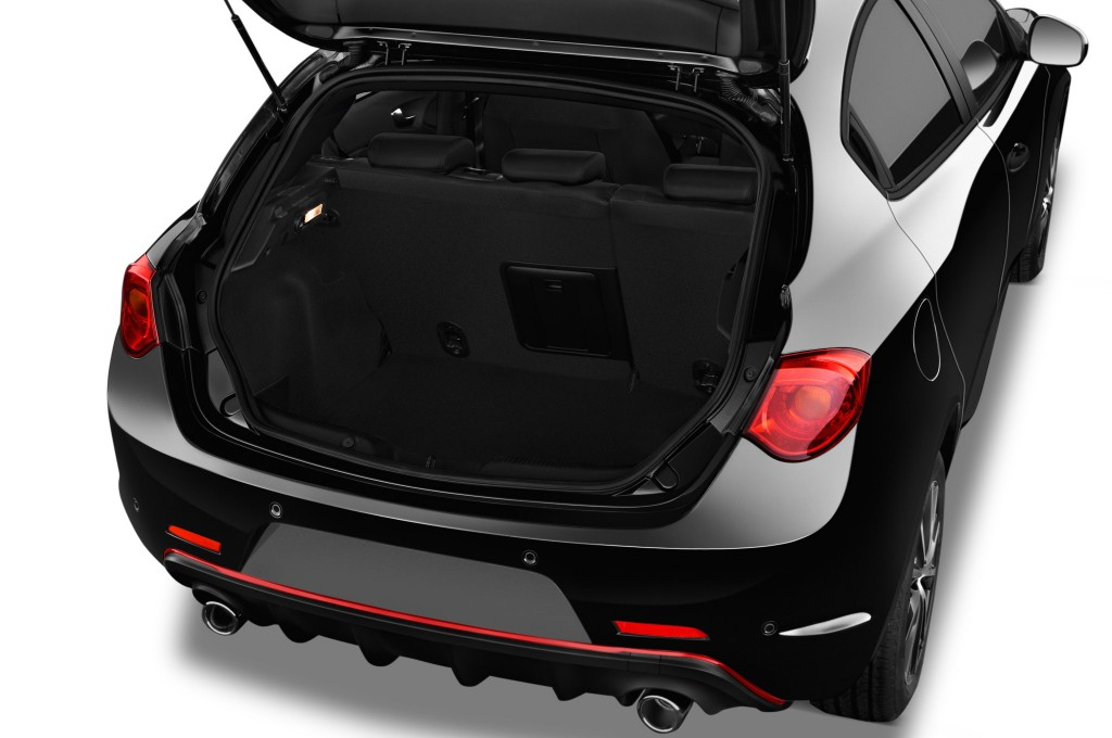 alfa romeo giulietta limousine voiture neuve chercher acheter. Black Bedroom Furniture Sets. Home Design Ideas