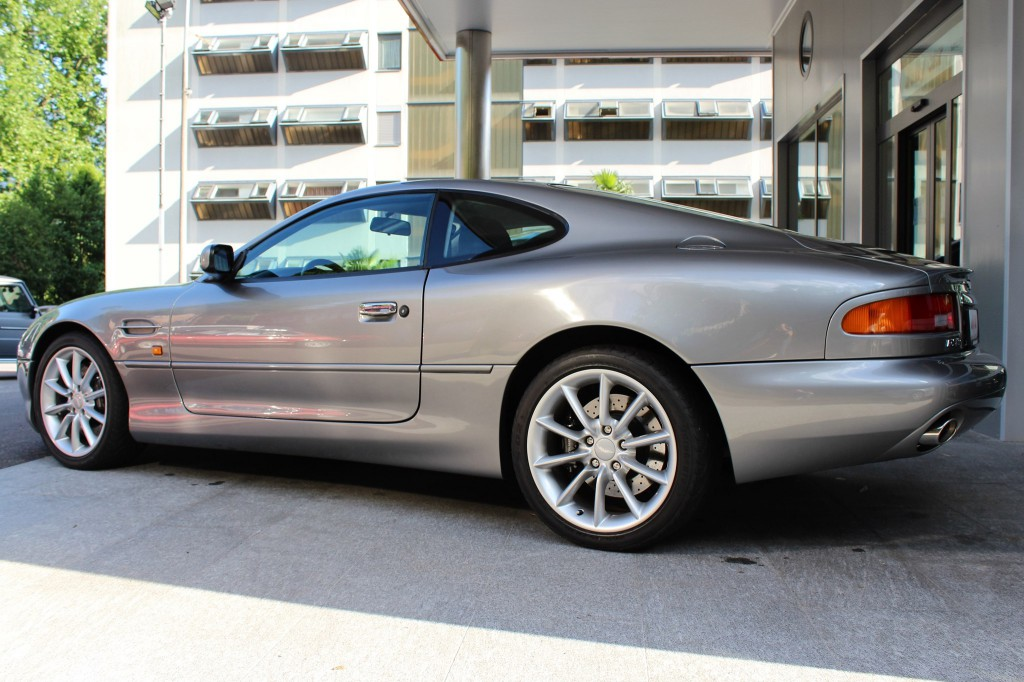 aston martin db7 vantage occasion essence 16 39 500 km chf 88 39 900. Black Bedroom Furniture Sets. Home Design Ideas