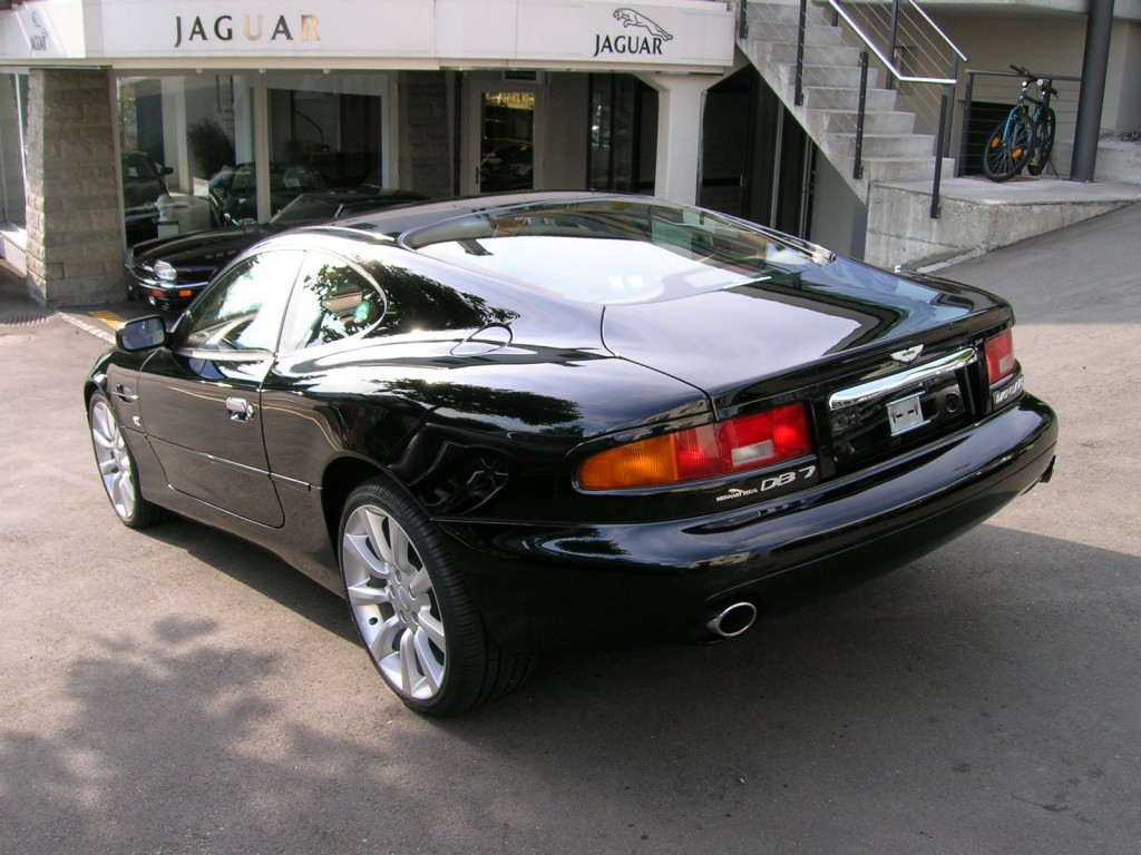 aston martin db7 vantage occasion benzin 33 39 500 km chf 99 39 000. Black Bedroom Furniture Sets. Home Design Ideas