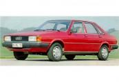 AUDI   Front + links, Sedan, Rot