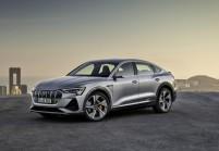 AUDI e-tron SUV / Geländewagen Front + links, Hatchback