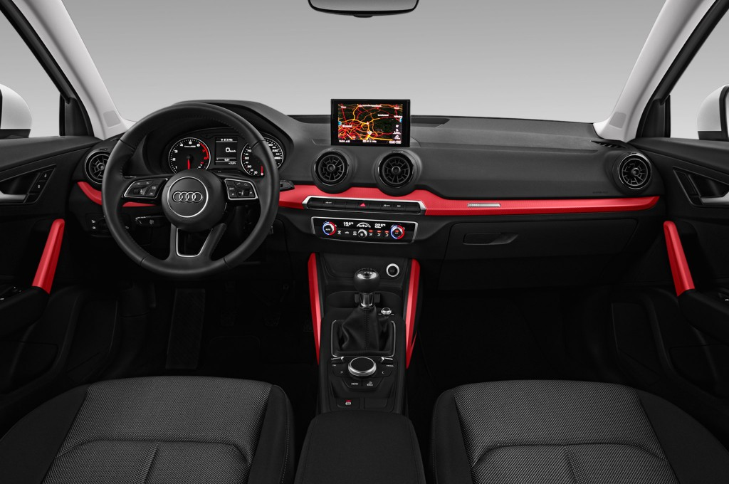 Pub Audi Q further Audi Q Interior furthermore Audi Q Boot Space as well Audi Q Sportod B Dashboard in addition Audi Q Jaune Julien Sarboraria. on audi q2