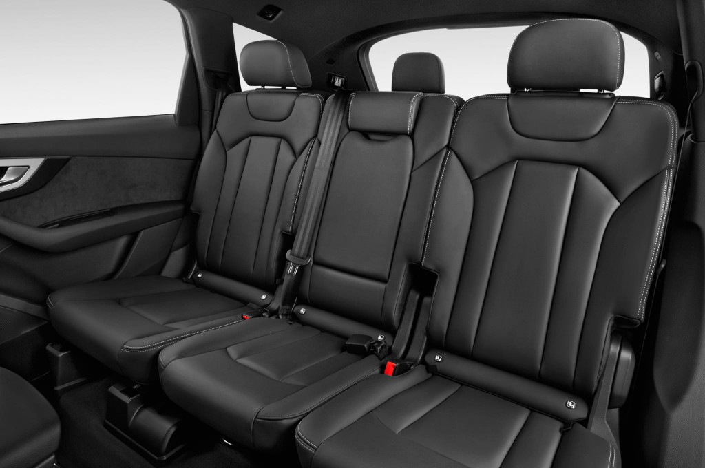 audi q7 suv fuoristrada auto nuove cercare acquistare. Black Bedroom Furniture Sets. Home Design Ideas