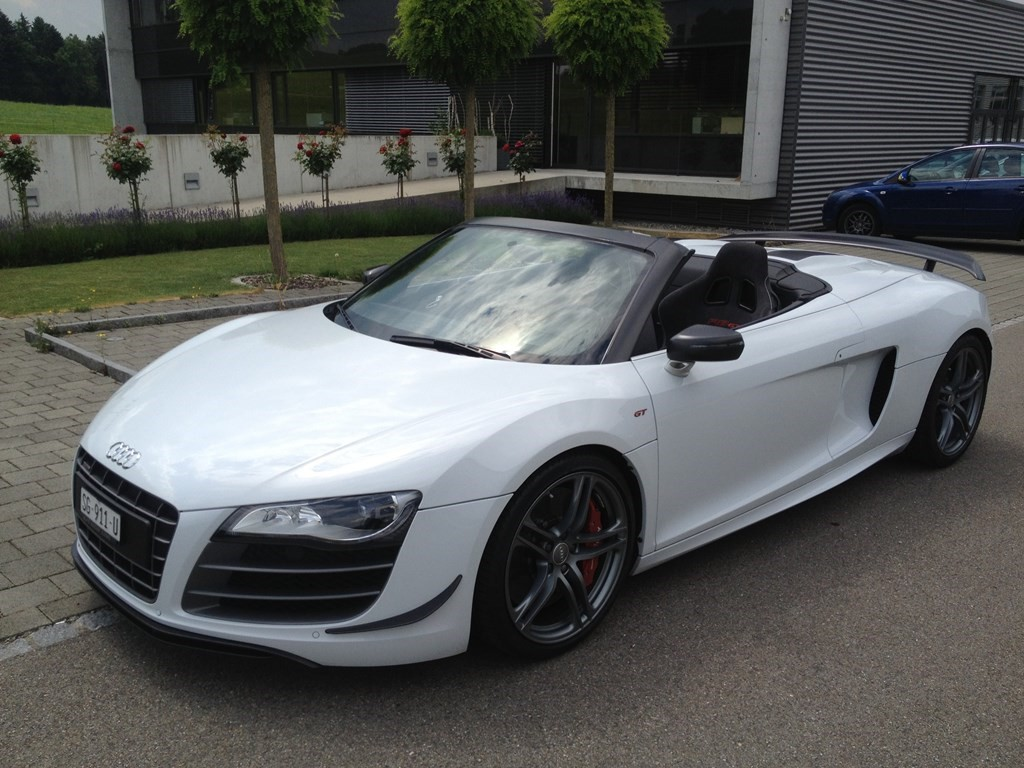 audi r8 gt spyder 5 2 r tronic occasion benzin 5 39 900 km chf 149 39 800. Black Bedroom Furniture Sets. Home Design Ideas
