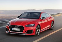 AUDI RS5 Coupé Front + links, Coupé, Rot