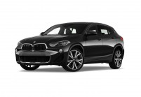 BMW X2 SUV / Geländewagen Schrägansicht Front