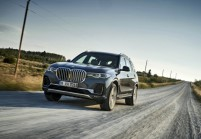 BMW X7 SUV / Tout terrain Avant + gauche