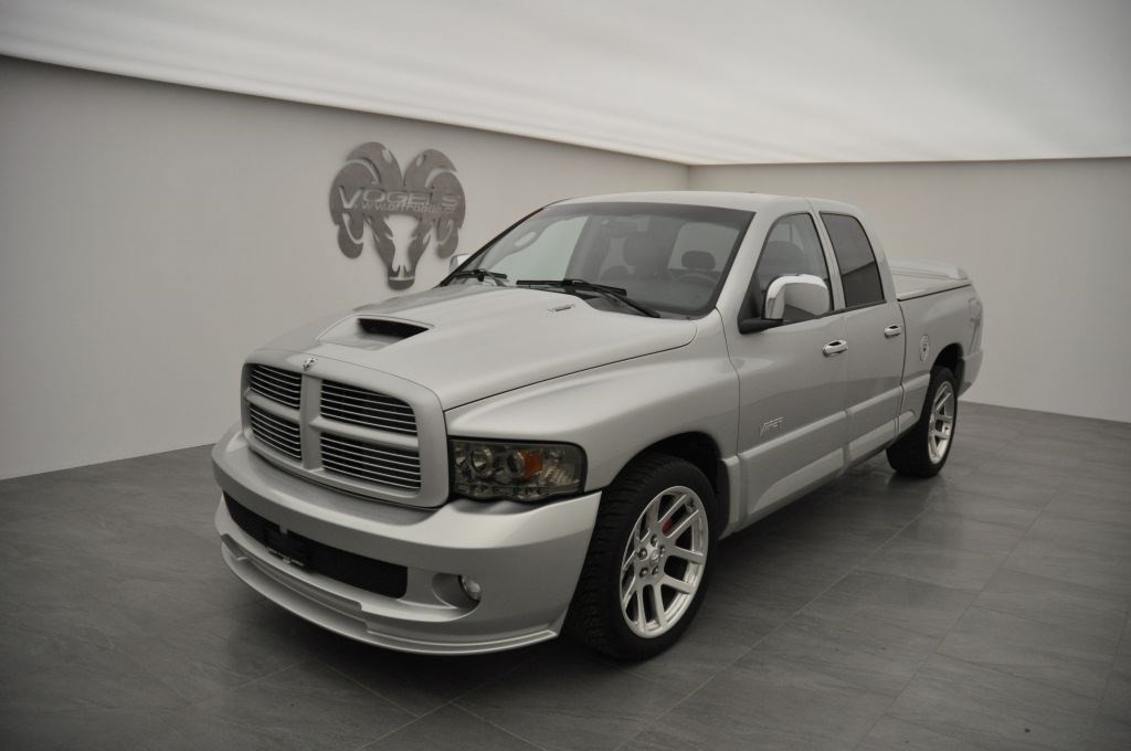 dodge 1500 srt 10 quad cab occasion benzin 39 39 537 km. Black Bedroom Furniture Sets. Home Design Ideas