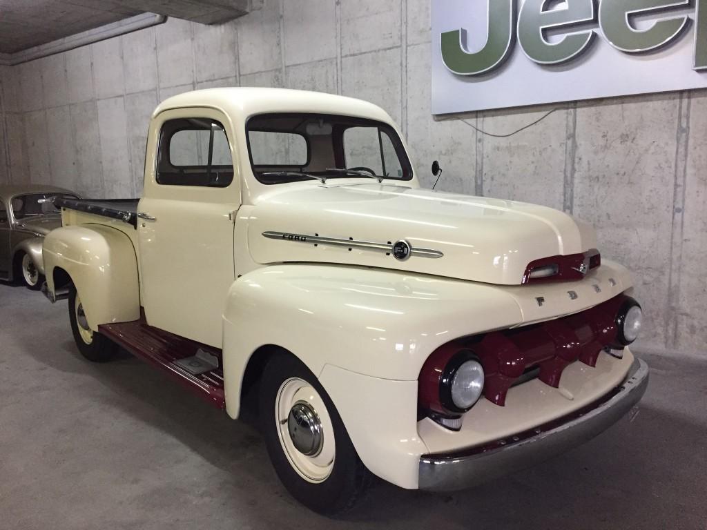 ford f1 v8 1949 occasion benzin 31 39 000 km chf 69 39 900. Black Bedroom Furniture Sets. Home Design Ideas