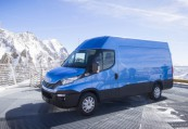 IVECO DAILY  Front + links, Panel Van, Blau