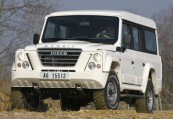 IVECO MASSIF  Front + links, Stationwagon, Weiss