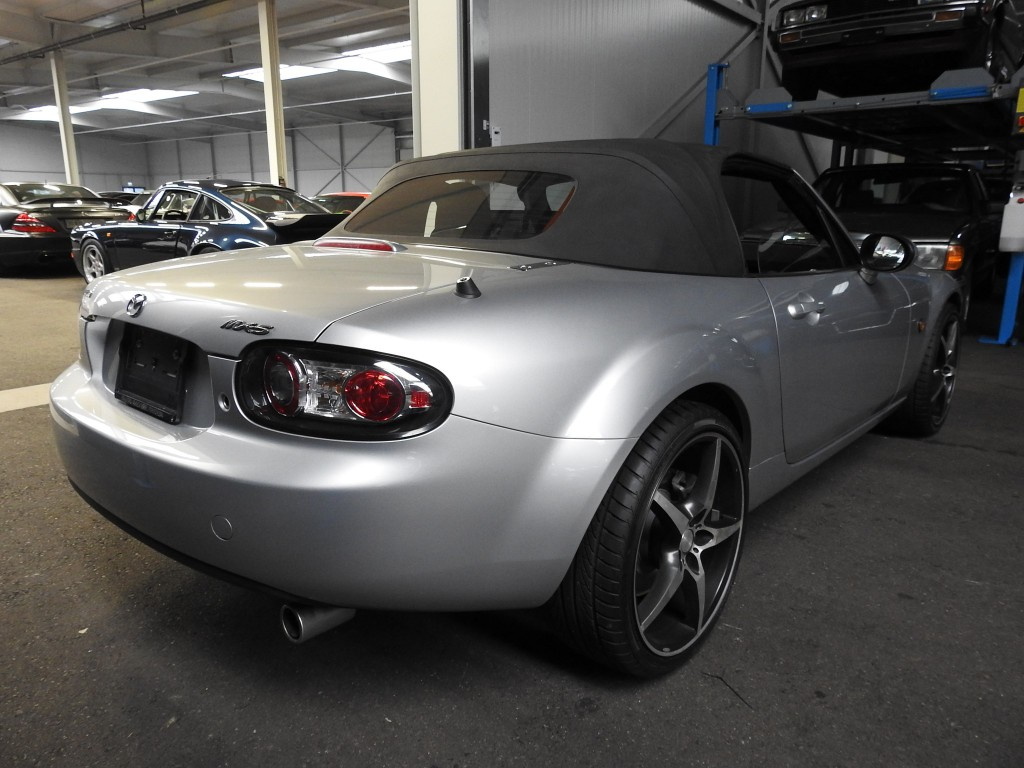 mazda mx 5 16v confort occasion benzin 6 39 900 km. Black Bedroom Furniture Sets. Home Design Ideas