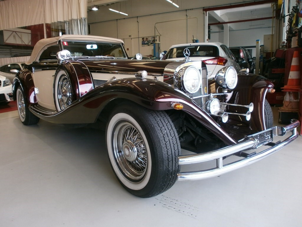 Mercedes benz thoroughbred oldtimer benzina 43 39 500 km for Mercedes benz 555