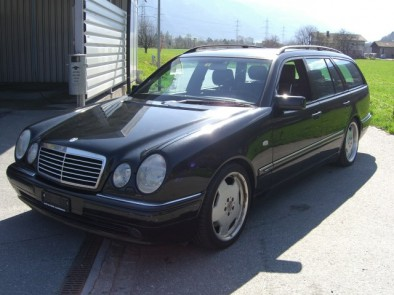 MERCEDES-BENZ E 55 AMG Avantgarde Automatic