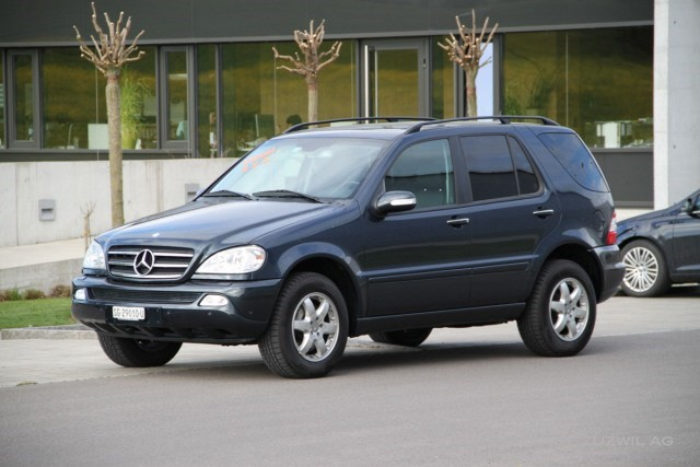 mercedes benz ml 400 cdi occasion diesel 87 39 800 km chf 16 39 800. Black Bedroom Furniture Sets. Home Design Ideas