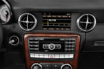 MERCEDES-BENZ SL CLASSK SLK 350 BlueEFFICIENCY -  Audiosystem (US-Modell abgebildet)