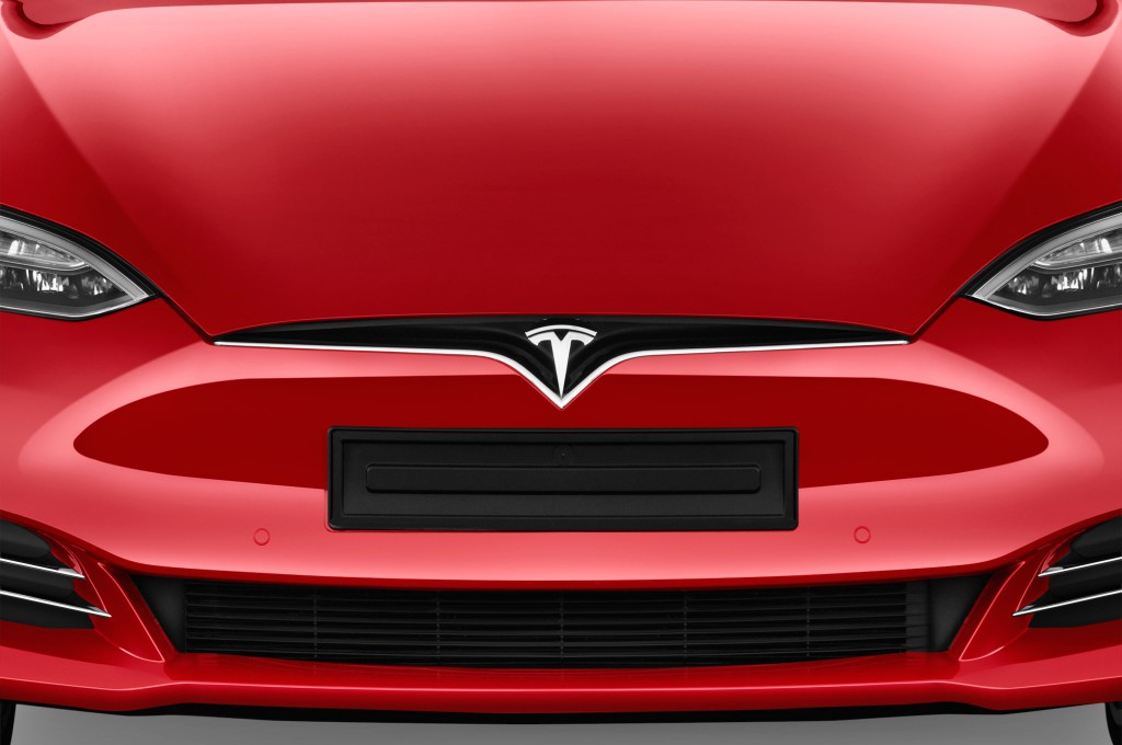 tesla model s limousine voiture neuve chercher acheter. Black Bedroom Furniture Sets. Home Design Ideas