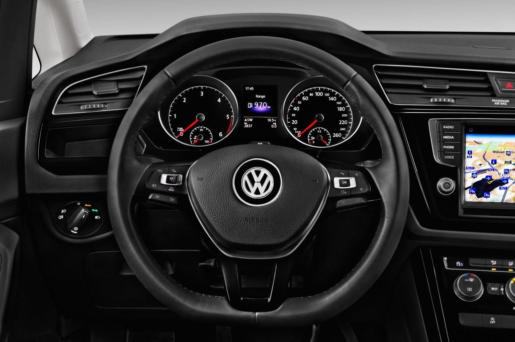 VW TOURAN Kompaktvan / Minivan Neuwagen suchen & kaufen