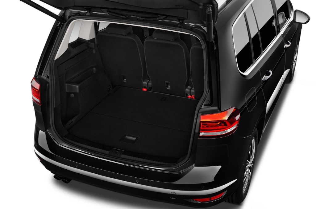 vw touran neuwagen bilder. Black Bedroom Furniture Sets. Home Design Ideas